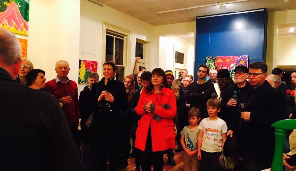 Anne's crowd